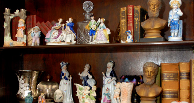 antique-collectibles-glendale-ny-old-new-shop-0